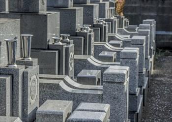 お墓の始まりは縄文時代!~墓石の加工は石の上戸屋へ~