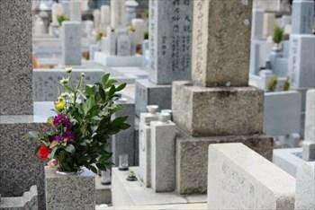 生前墓とは?~墓石の加工はサービスの種類が豊富な石材店「石の上戸屋」へ~